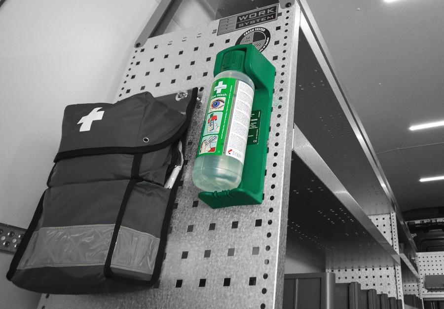 Produkter inden for sikkerhed såsom tyverisikring, alarmer og brandslukkere til din varebil