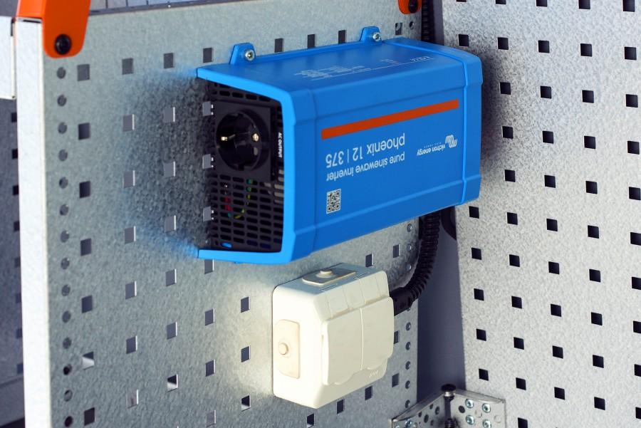 Strømforsyning til din arbejdsbil som f.eks. inverter, batterier og lader