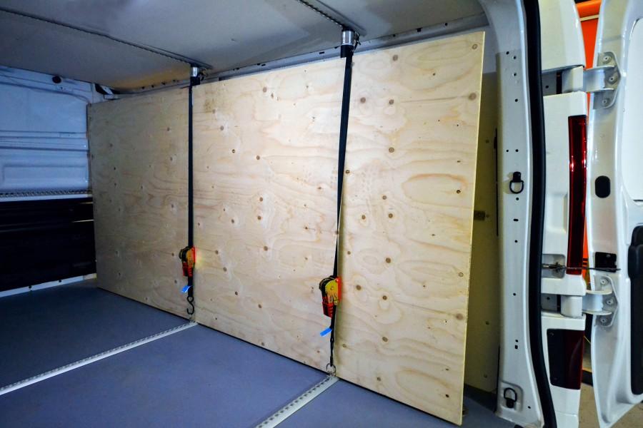 Beskyttelsesbeklædning og lastsikring