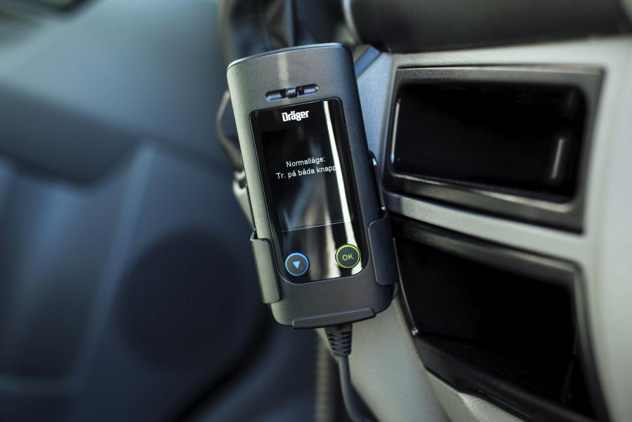 Alkolås, som måler alkoholkoncentrationen i førerens udåndingsluft.